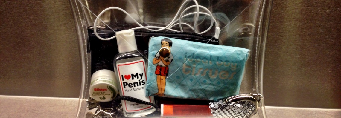 Some hand wash, some ideal boy tissue's, some lip creme, some tictacs, my keys, my earplugs, my little change wallet, a rubber band for in my hear and a little wallet for my cards. I bought the clutch here